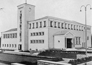 """Kopli rahvamaja. Elmar Lohk, 1936–1937. Foto raamatust """"20 aastat ehitamist Eestis"""", 1939"""